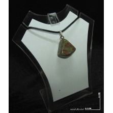 سنگ اوناکیت (راف گردنبندی)