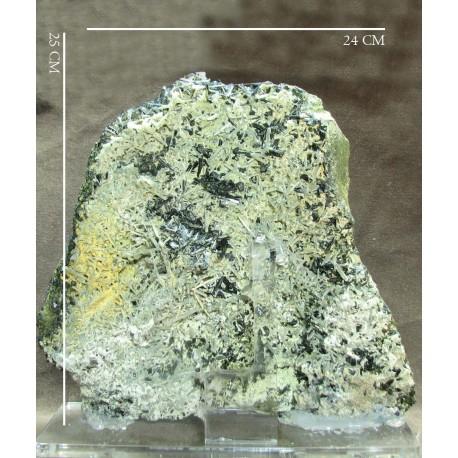 سنگ اپیدت Epidote